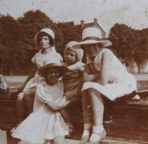 Selborne Park children c1930